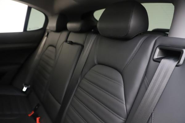 New 2019 Alfa Romeo Stelvio Ti Lusso Q4 for sale Sold at Bentley Greenwich in Greenwich CT 06830 18