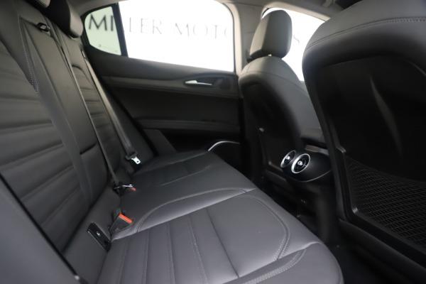 New 2019 Alfa Romeo Stelvio Ti Lusso Q4 for sale Sold at Bentley Greenwich in Greenwich CT 06830 27