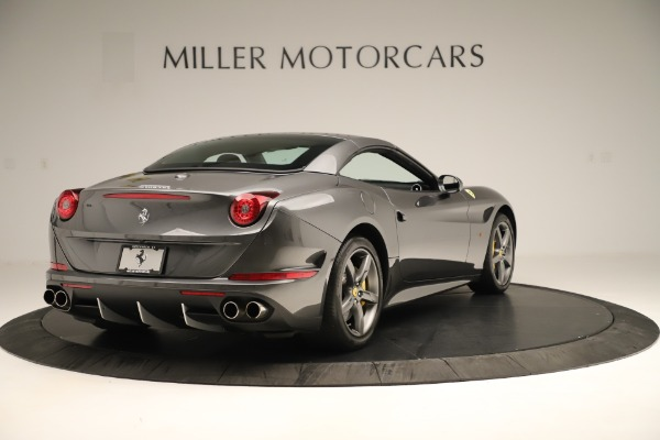 Used 2015 Ferrari California T for sale $139,900 at Bentley Greenwich in Greenwich CT 06830 16