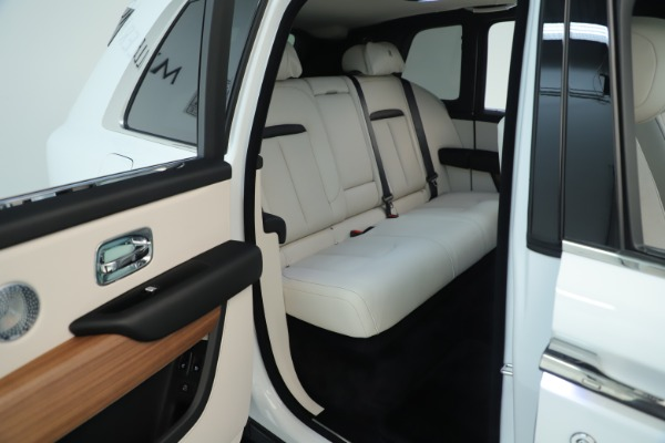 New 2019 Rolls-Royce Cullinan for sale Sold at Bentley Greenwich in Greenwich CT 06830 17