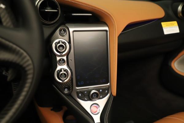 New 2020 McLaren 720S Spider for sale $372,250 at Bentley Greenwich in Greenwich CT 06830 11