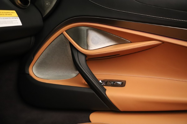 New 2020 McLaren 720S Spider for sale $372,250 at Bentley Greenwich in Greenwich CT 06830 12