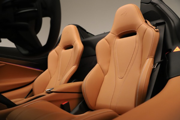 New 2020 McLaren 720S Spider Convertible for sale $372,250 at Bentley Greenwich in Greenwich CT 06830 16