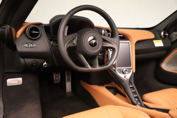 New 2020 McLaren 720S Spider Convertible for sale $372,250 at Bentley Greenwich in Greenwich CT 06830 8