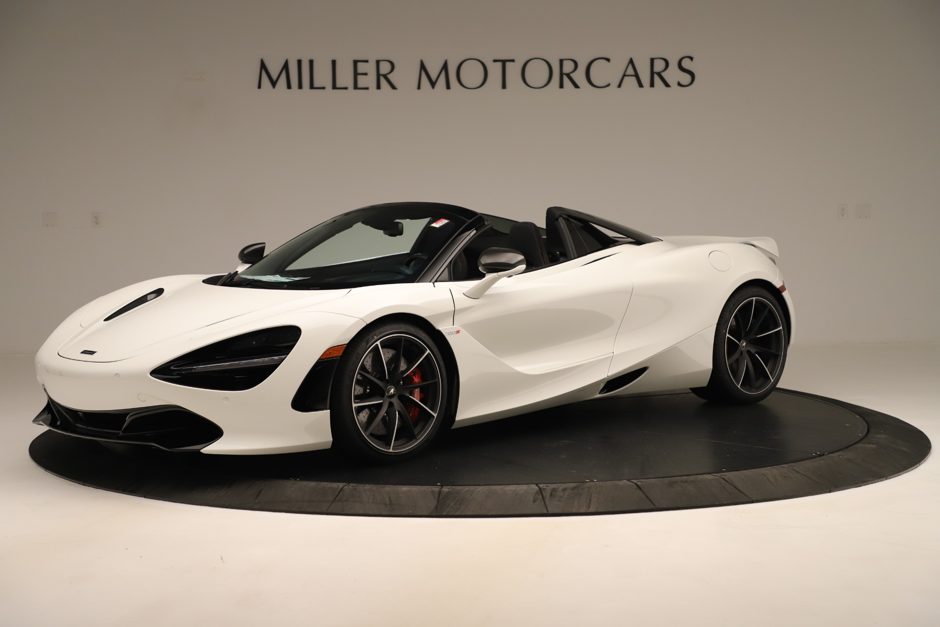 New 2020 McLaren 720S SPIDER Convertible for sale $389,940 at Bentley Greenwich in Greenwich CT 06830 1