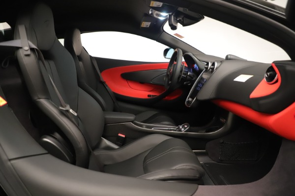 Used 2019 McLaren 600LT Luxury for sale Call for price at Bentley Greenwich in Greenwich CT 06830 24