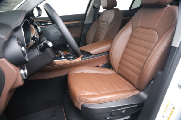 New 2019 Alfa Romeo Stelvio Ti Lusso Q4 for sale Sold at Bentley Greenwich in Greenwich CT 06830 15