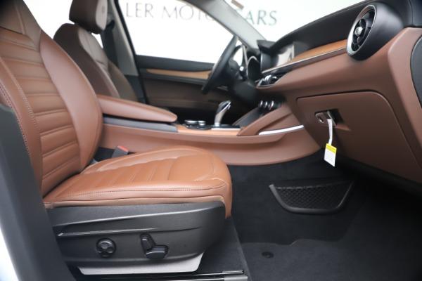 New 2019 Alfa Romeo Stelvio Ti Lusso Q4 for sale Sold at Bentley Greenwich in Greenwich CT 06830 23