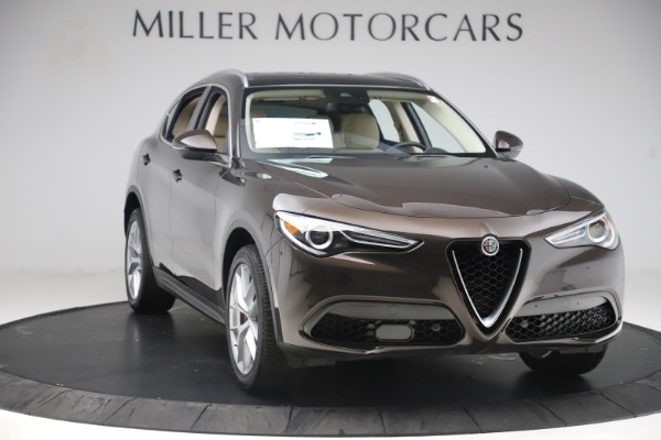 New 2019 Alfa Romeo Stelvio Ti Lusso Q4 for sale Sold at Bentley Greenwich in Greenwich CT 06830 11