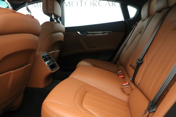 Used 2014 Maserati Quattroporte S Q4 for sale Sold at Bentley Greenwich in Greenwich CT 06830 17
