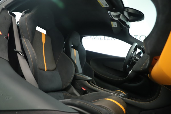 Used 2016 McLaren 570S Coupe for sale Sold at Bentley Greenwich in Greenwich CT 06830 18