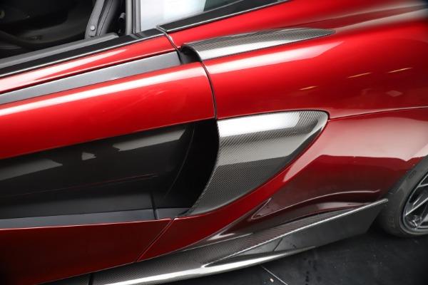 New 2019 McLaren 600LT Luxury for sale $285,236 at Bentley Greenwich in Greenwich CT 06830 17