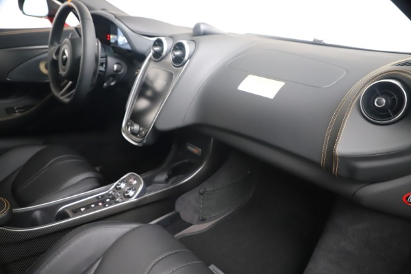 New 2019 McLaren 600LT Luxury for sale $285,236 at Bentley Greenwich in Greenwich CT 06830 26