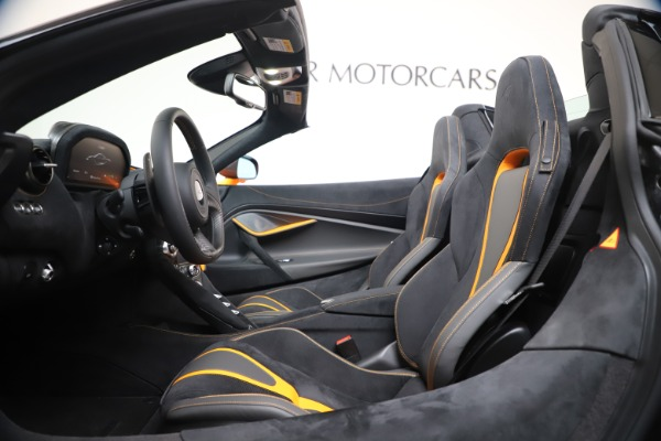 New 2020 McLaren 720S Spider Performance for sale $374,440 at Bentley Greenwich in Greenwich CT 06830 25
