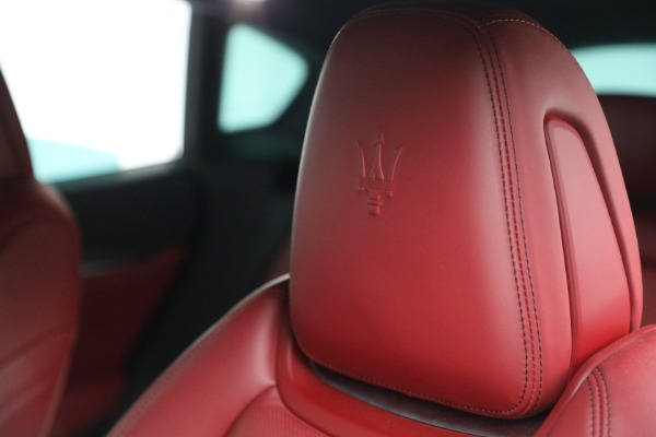Used 2019 Maserati Levante Q4 GranSport for sale $69,900 at Bentley Greenwich in Greenwich CT 06830 28