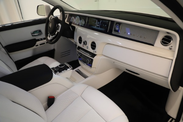 New 2020 Rolls-Royce Phantom for sale $545,200 at Bentley Greenwich in Greenwich CT 06830 22