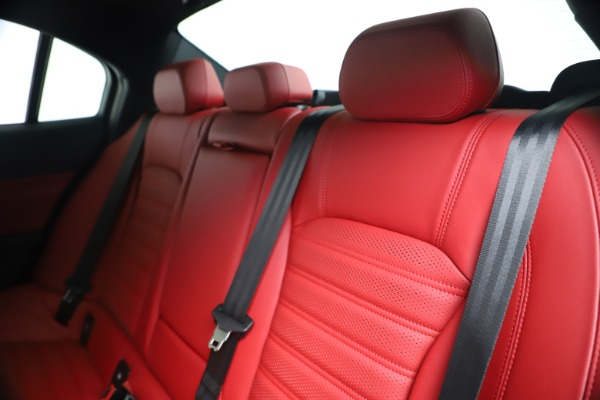 New 2019 Alfa Romeo Giulia Ti Sport Carbon Q4 for sale Sold at Bentley Greenwich in Greenwich CT 06830 18