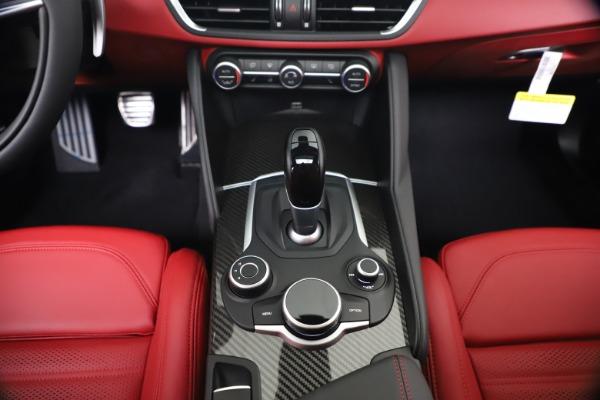 New 2019 Alfa Romeo Giulia Ti Sport Carbon Q4 for sale Sold at Bentley Greenwich in Greenwich CT 06830 22