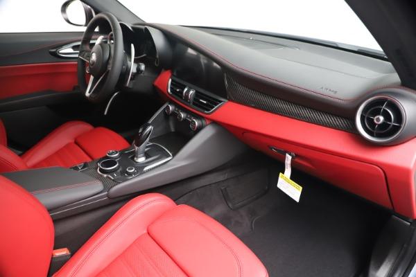 New 2019 Alfa Romeo Giulia Ti Sport Carbon Q4 for sale Sold at Bentley Greenwich in Greenwich CT 06830 23