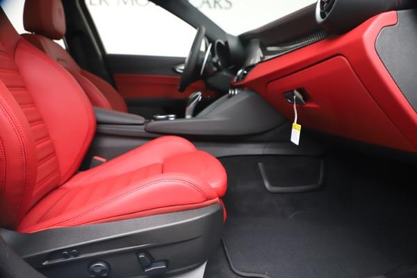 New 2019 Alfa Romeo Giulia Ti Sport Carbon Q4 for sale Sold at Bentley Greenwich in Greenwich CT 06830 24