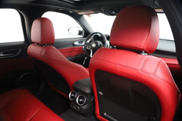 New 2019 Alfa Romeo Giulia Ti Sport Carbon Q4 for sale Sold at Bentley Greenwich in Greenwich CT 06830 28