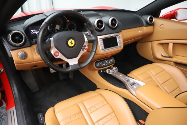 Used 2013 Ferrari California 30 for sale $112,900 at Bentley Greenwich in Greenwich CT 06830 19