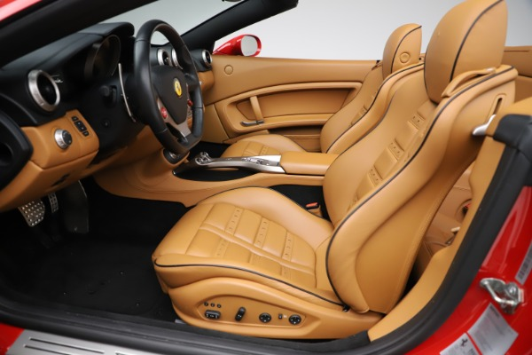 Used 2013 Ferrari California 30 for sale $112,900 at Bentley Greenwich in Greenwich CT 06830 20