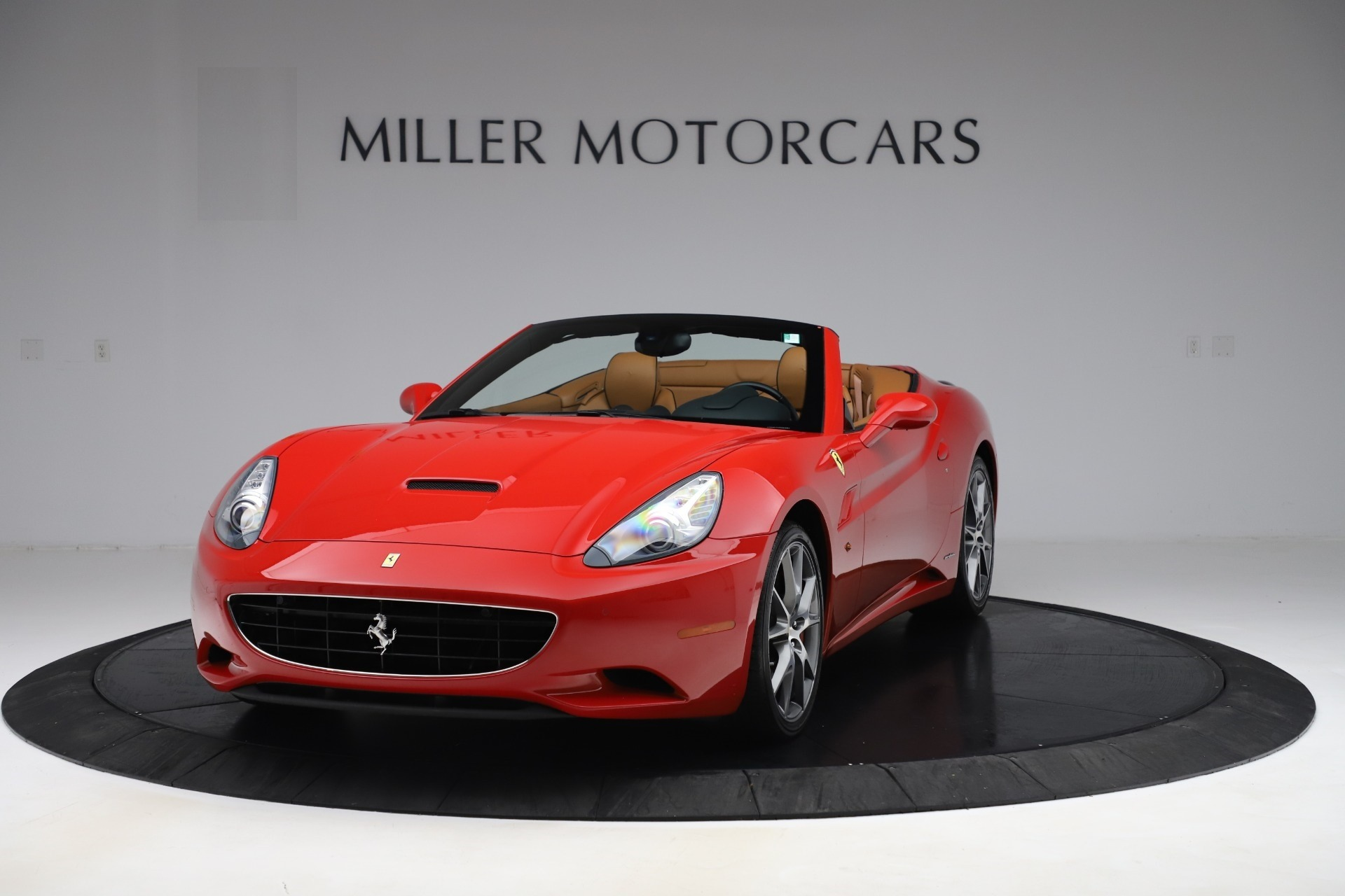 Used 2013 Ferrari California 30 for sale $112,900 at Bentley Greenwich in Greenwich CT 06830 1
