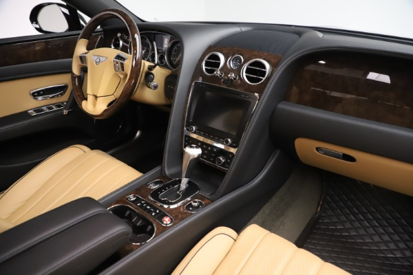 Used 2016 Bentley Flying Spur V8 for sale $116,900 at Bentley Greenwich in Greenwich CT 06830 28