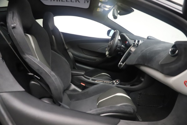 Used 2017 McLaren 570GT Coupe for sale $149,900 at Bentley Greenwich in Greenwich CT 06830 20