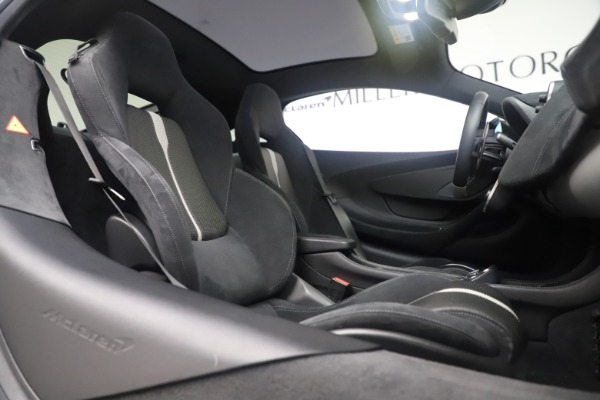 Used 2017 McLaren 570GT Coupe for sale $149,900 at Bentley Greenwich in Greenwich CT 06830 21