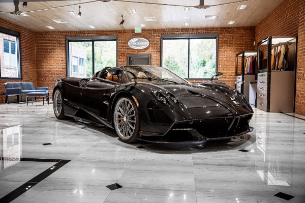 Used 2017 Pagani Huayra Roadster Roadster for sale Call for price at Bentley Greenwich in Greenwich CT 06830 3