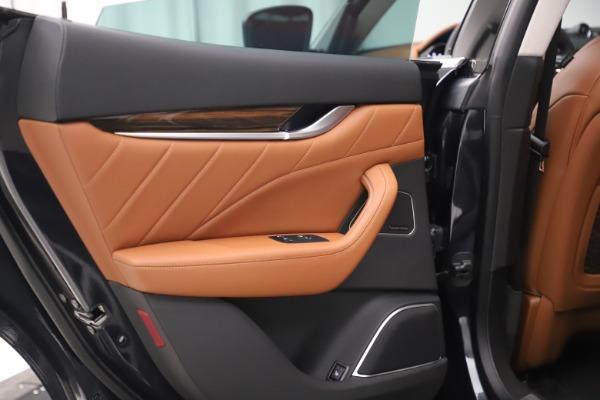 New 2019 Maserati Levante Q4 GranLusso for sale $89,550 at Bentley Greenwich in Greenwich CT 06830 18