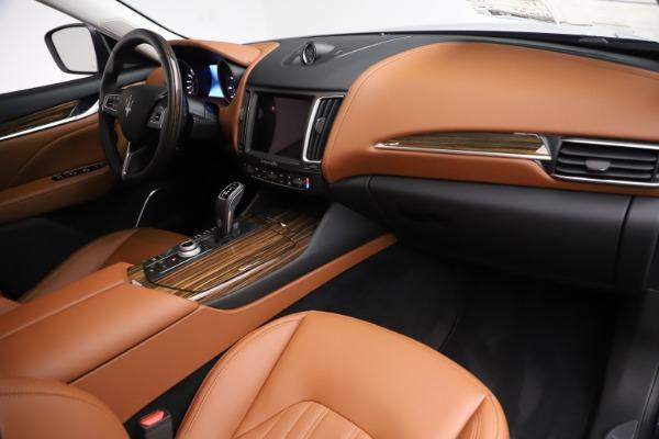 New 2019 Maserati Levante Q4 GranLusso for sale $89,550 at Bentley Greenwich in Greenwich CT 06830 19