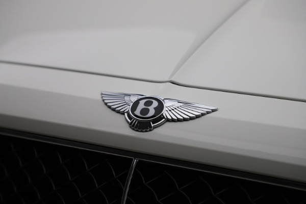 New 2020 Bentley Bentayga V8 for sale $195,265 at Bentley Greenwich in Greenwich CT 06830 14
