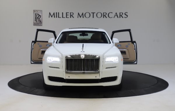 Used 2015 Rolls-Royce Ghost for sale $166,900 at Bentley Greenwich in Greenwich CT 06830 13