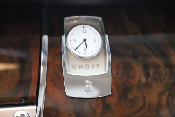 Used 2015 Rolls-Royce Ghost for sale Sold at Bentley Greenwich in Greenwich CT 06830 18