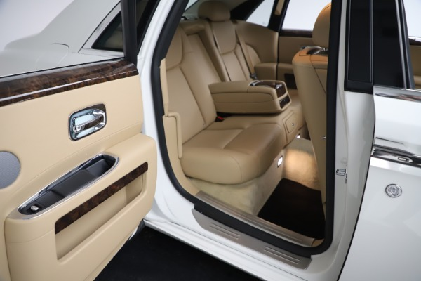 Used 2015 Rolls-Royce Ghost for sale Sold at Bentley Greenwich in Greenwich CT 06830 21