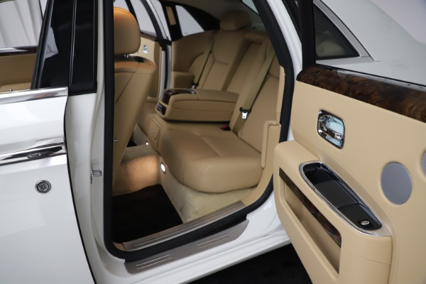 Used 2015 Rolls-Royce Ghost for sale $166,900 at Bentley Greenwich in Greenwich CT 06830 22
