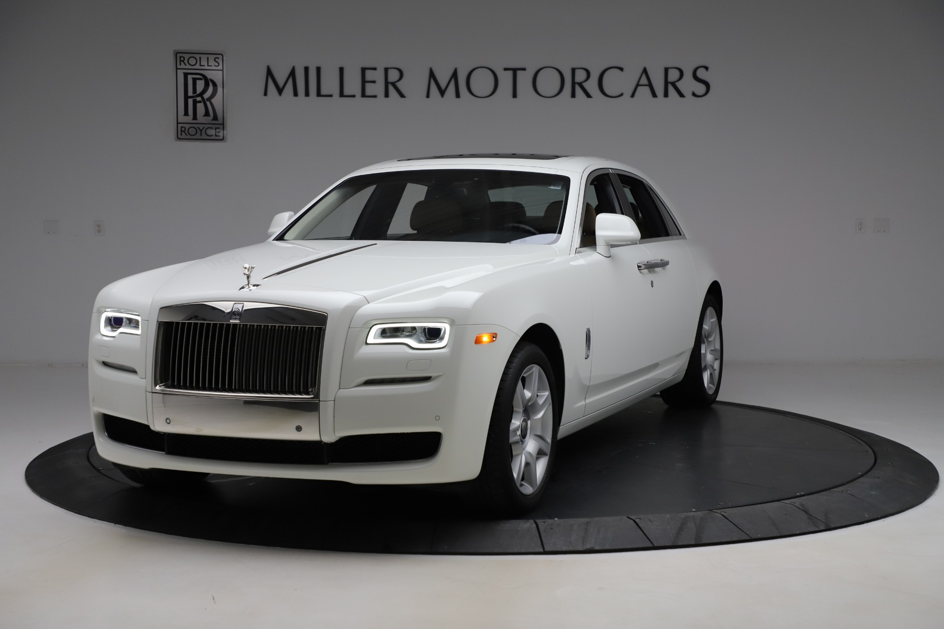 Used 2015 Rolls-Royce Ghost for sale $166,900 at Bentley Greenwich in Greenwich CT 06830 1