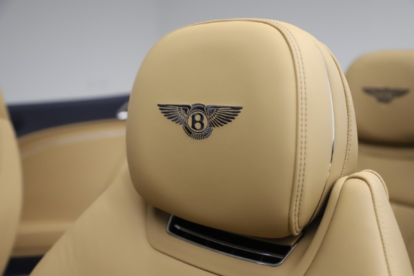 New 2020 Bentley Continental GTC V8 for sale $262,475 at Bentley Greenwich in Greenwich CT 06830 27