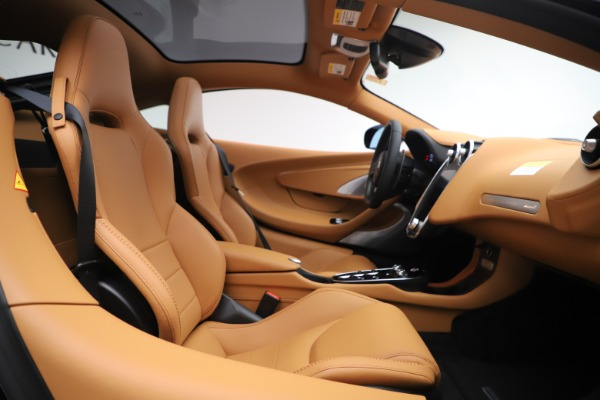 New 2020 McLaren GT Coupe for sale $245,975 at Bentley Greenwich in Greenwich CT 06830 15