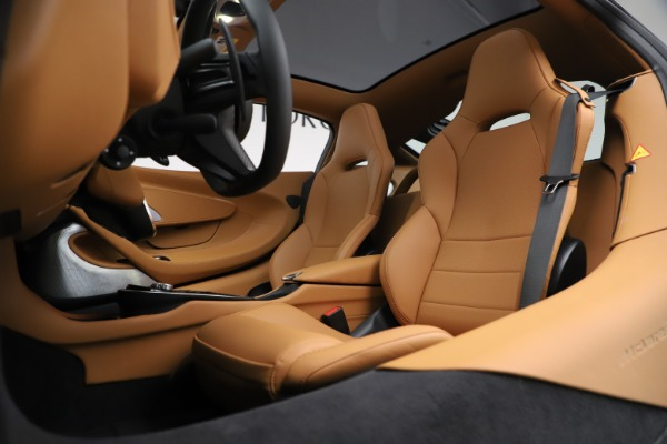 New 2020 McLaren GT Coupe for sale $245,975 at Bentley Greenwich in Greenwich CT 06830 18