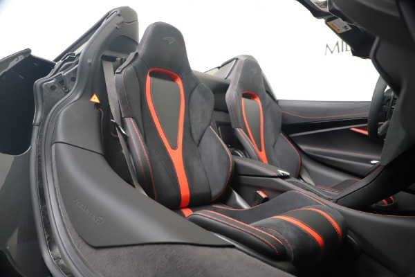 New 2020 McLaren 720S Spider Convertible for sale $383,090 at Bentley Greenwich in Greenwich CT 06830 28