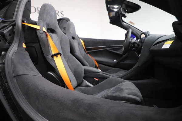 New 2020 McLaren 720S Spider Convertible for sale $364,090 at Bentley Greenwich in Greenwich CT 06830 26