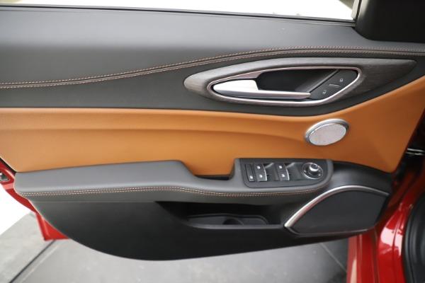New 2019 Alfa Romeo Giulia Ti Lusso Q4 for sale $54,790 at Bentley Greenwich in Greenwich CT 06830 17