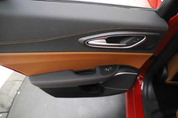 New 2019 Alfa Romeo Giulia Ti Lusso Q4 for sale $54,790 at Bentley Greenwich in Greenwich CT 06830 21