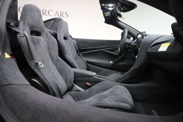 New 2020 McLaren 720S Spider Convertible for sale $332,570 at Bentley Greenwich in Greenwich CT 06830 25