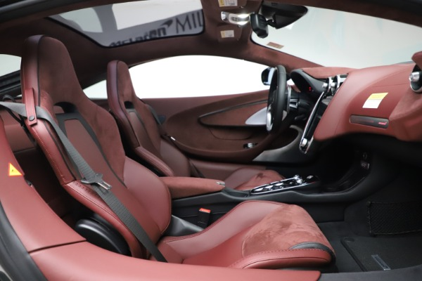 New 2020 McLaren GT Coupe for sale $247,275 at Bentley Greenwich in Greenwich CT 06830 19
