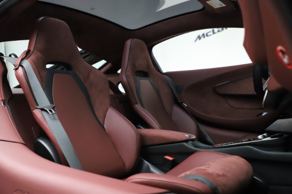 New 2020 McLaren GT Coupe for sale $247,275 at Bentley Greenwich in Greenwich CT 06830 20